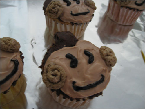 Super Monkey Ball Cupcakes